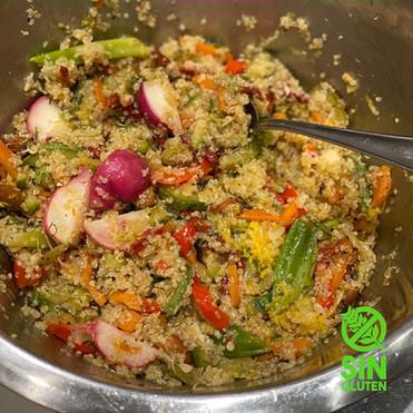 Ensalada Tibia de Quinua y Vegetales Salteados
