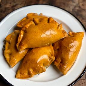 Masa de Empanadas con Pimentón y Aceite Rellenas de Verduras