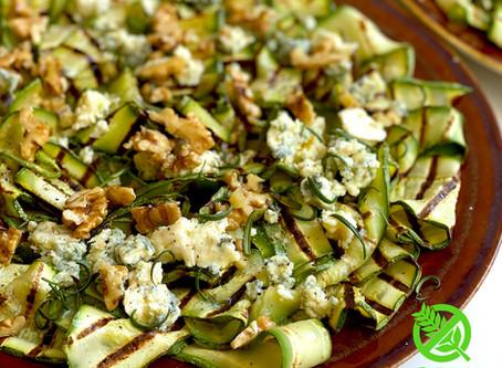 Zucchini Grillados con Queso Azul y Nueces