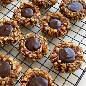 Galletas de Nueces Pecan y Corazón de Chocolate