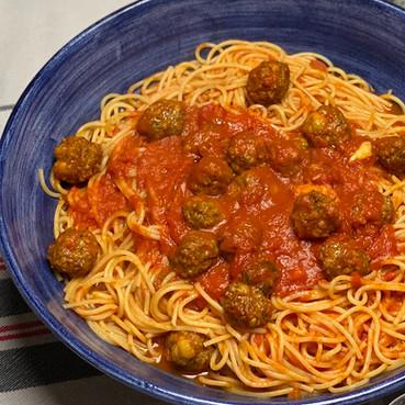 Espaguetis con Albóndigas -  Espaguetis con Polpette