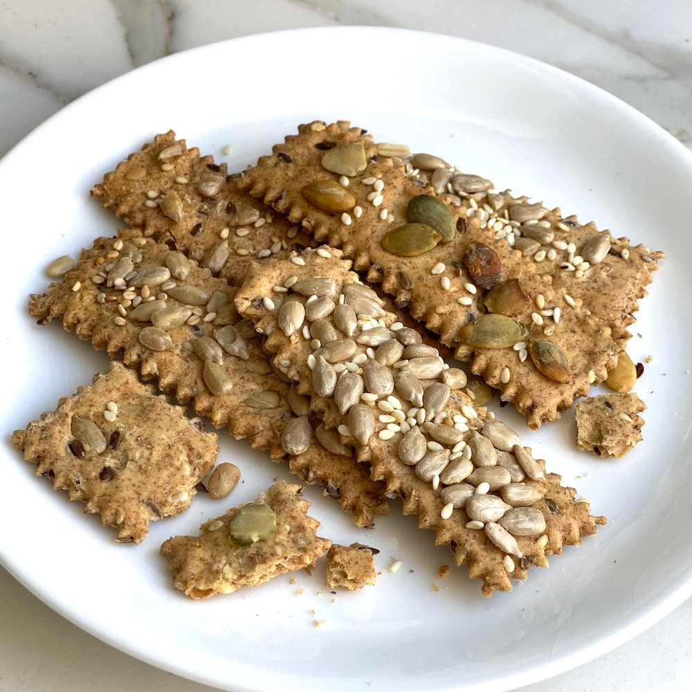 galletas crocantes de harina integral y semillas