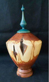 Urn with finial