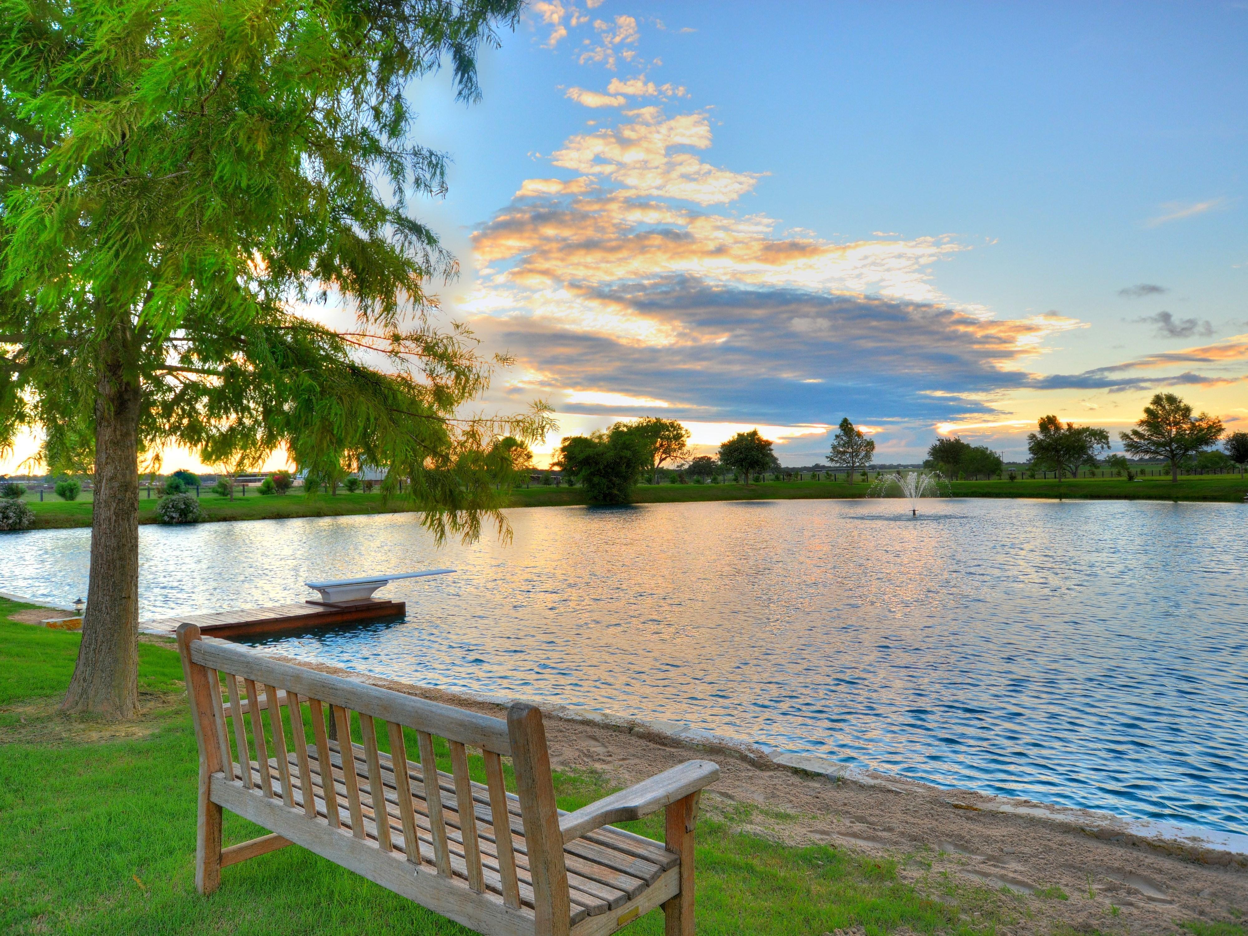 Pond Sitting