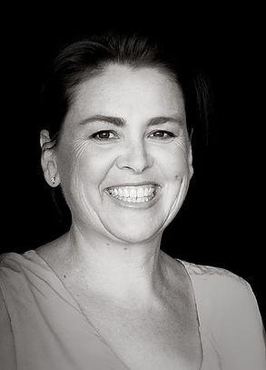 Rowena profile pic.jpg