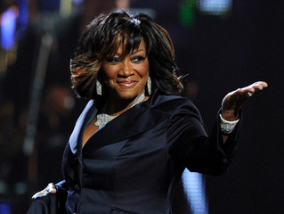 Patti LaBelle plays no games with a Stripping Fan on her Stage...