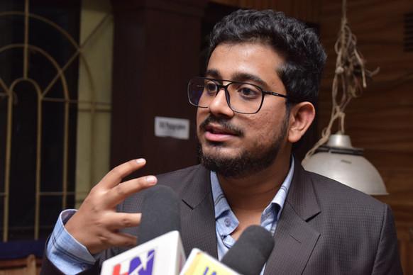 Rahul Basak talking with press about Amar Canvas®
