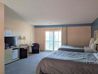 Deluxe Queen Room.jpg