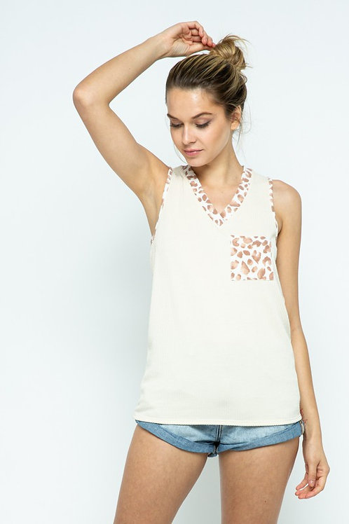 Solid/Animal comine V-neck sleeveless top with chest mini pocket