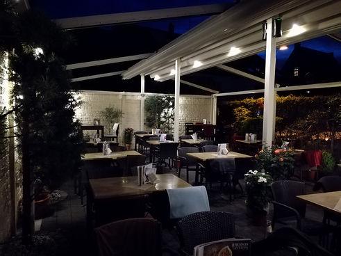Taverna at night.jpg