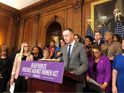 Biden signs bipartisan reauthorization of Violence Against Women Act