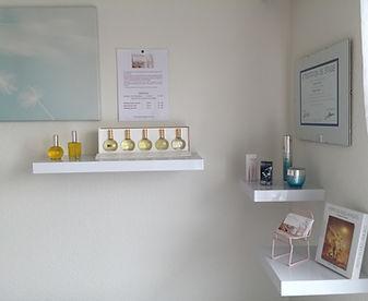 Création d'huiles personnalisées avec des huiles essentielles, huiles parfumées, huiles de soins