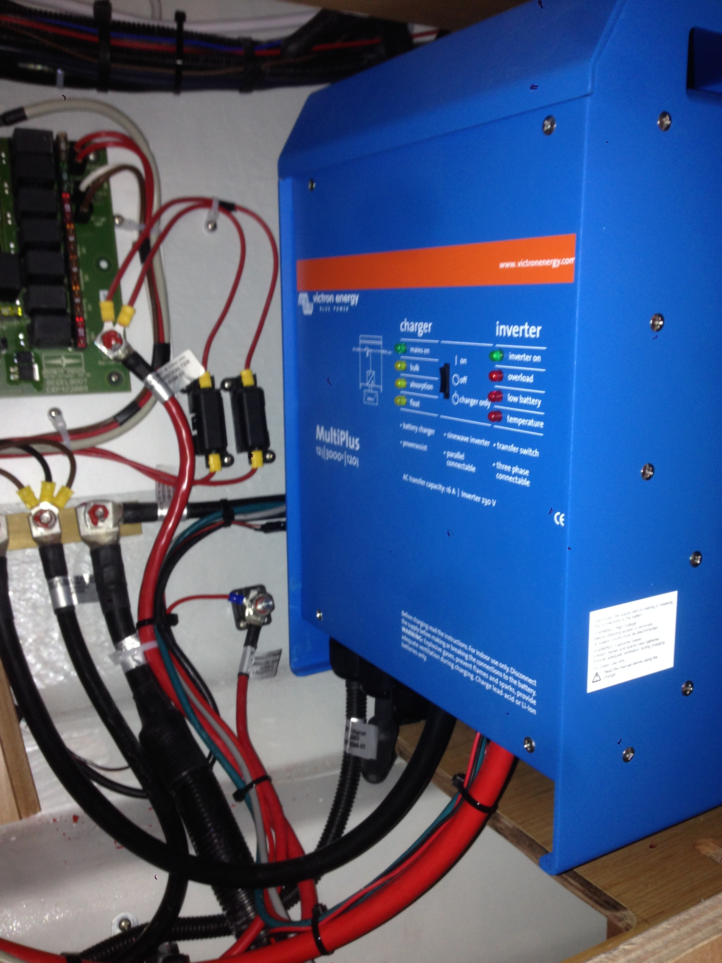 Laddare/inverter installation