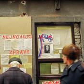 Brno-ulice--listopad_1989-011-Vit_Madr.j