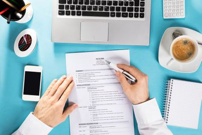 Settlement Guide: How to write a resume