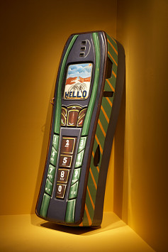 Nokia Cell Phone Coffin by Samuel Narh Nartey (2007) Collection of The National Gallery of Funeral History