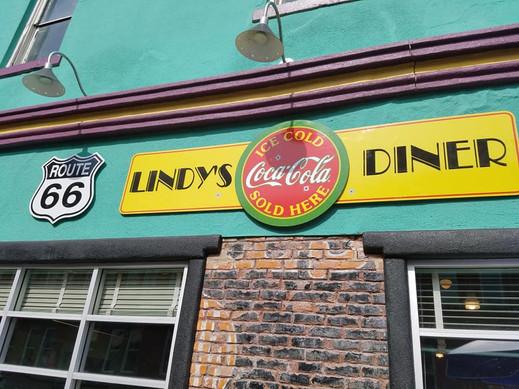 Lindy's Exterior Side Shot.jpg