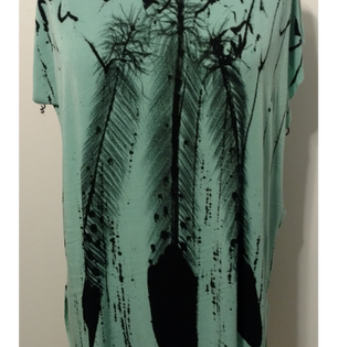 3 Feathers on Turquoise T-shirt