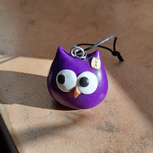Grigri chouette violette