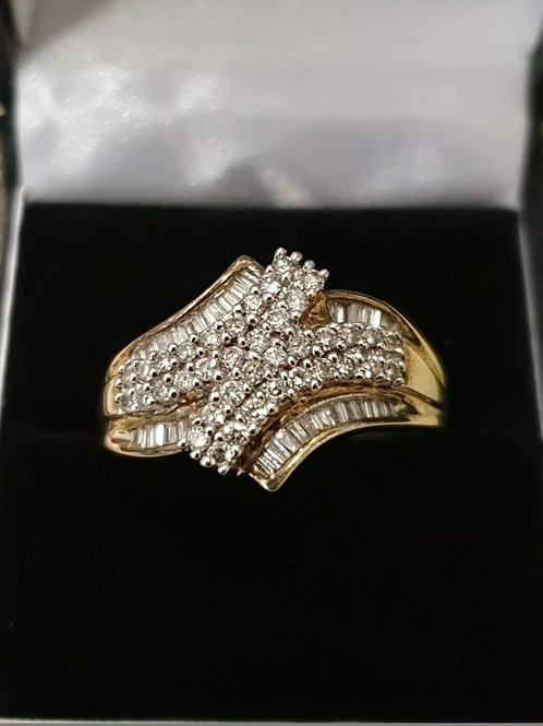 9ct Round & Baguette Diamond Cluster Ring
