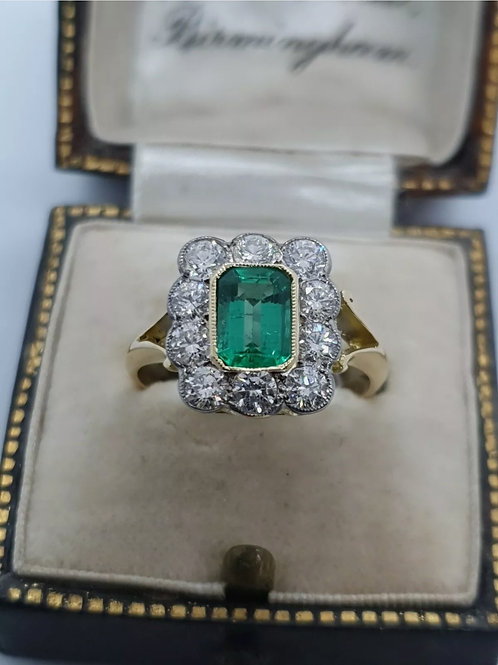 Vintage 18ct Emerald And Diamond Ring