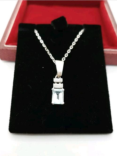18ct / 9ct Aquamarine Diamond Pendant & Chain