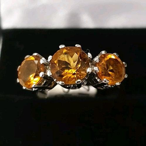 9ct white gold citrine trilogy ring