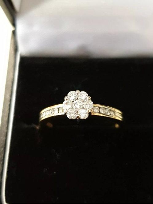 18ct 50pts Diamond Cluster Ring