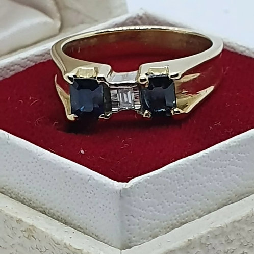 18ct Yellow Gold Sapphire And Diamond Trilogy Ring