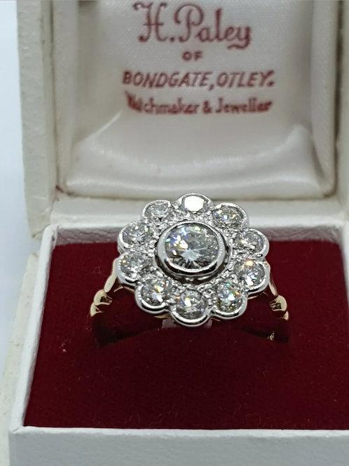 Vintage 18ct 1.9ct Diamond Daisy Cluster
