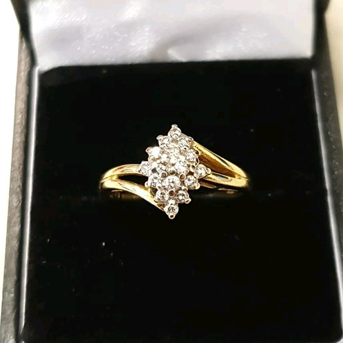 18ct yellow gold diamond cluster ring, 25points