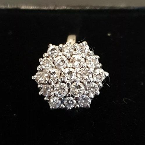 18ct White Gold 1ct diamond cluster