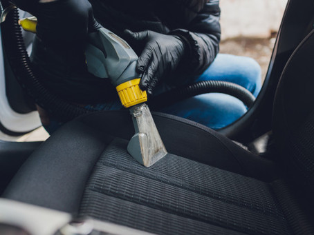5 Ways to Get Stains Out of Car Seats (DIY With Steps)