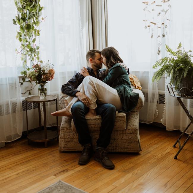 Hannah-Kyle-Engagement-02-Home-9.jpg
