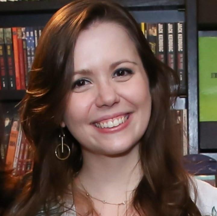 Bruna Menoncin, associada de LL Advogados