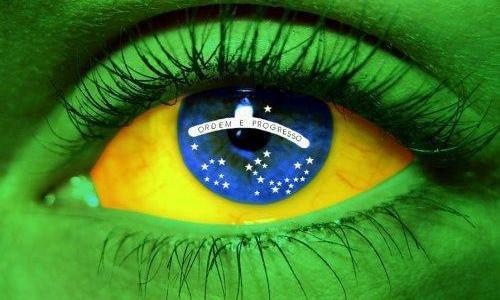 Bandeira do Brasil dentro de um olho