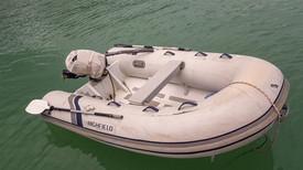 onze dinghy heeft het zwaar in de tropen
