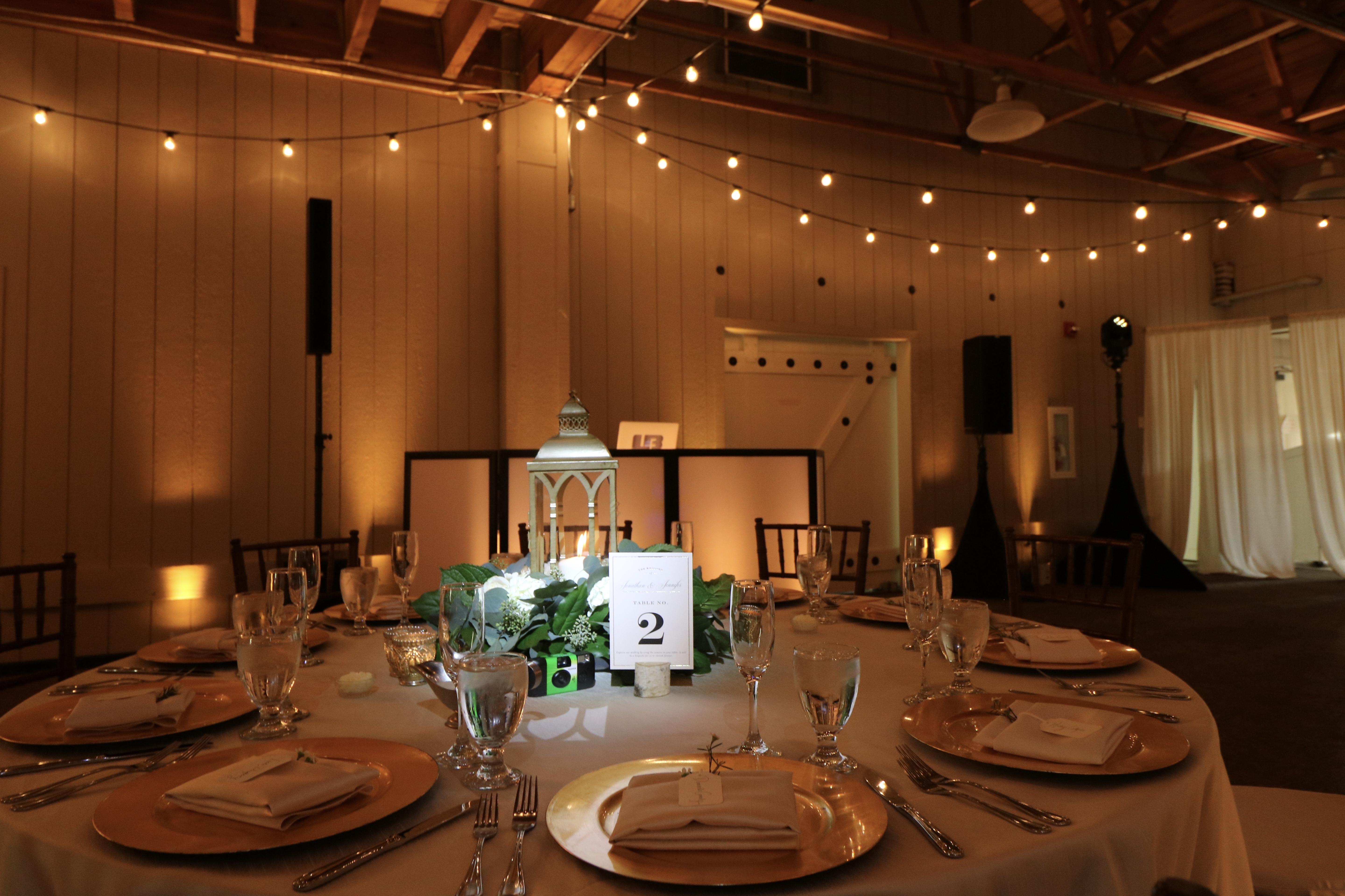 Table pinspot lighting