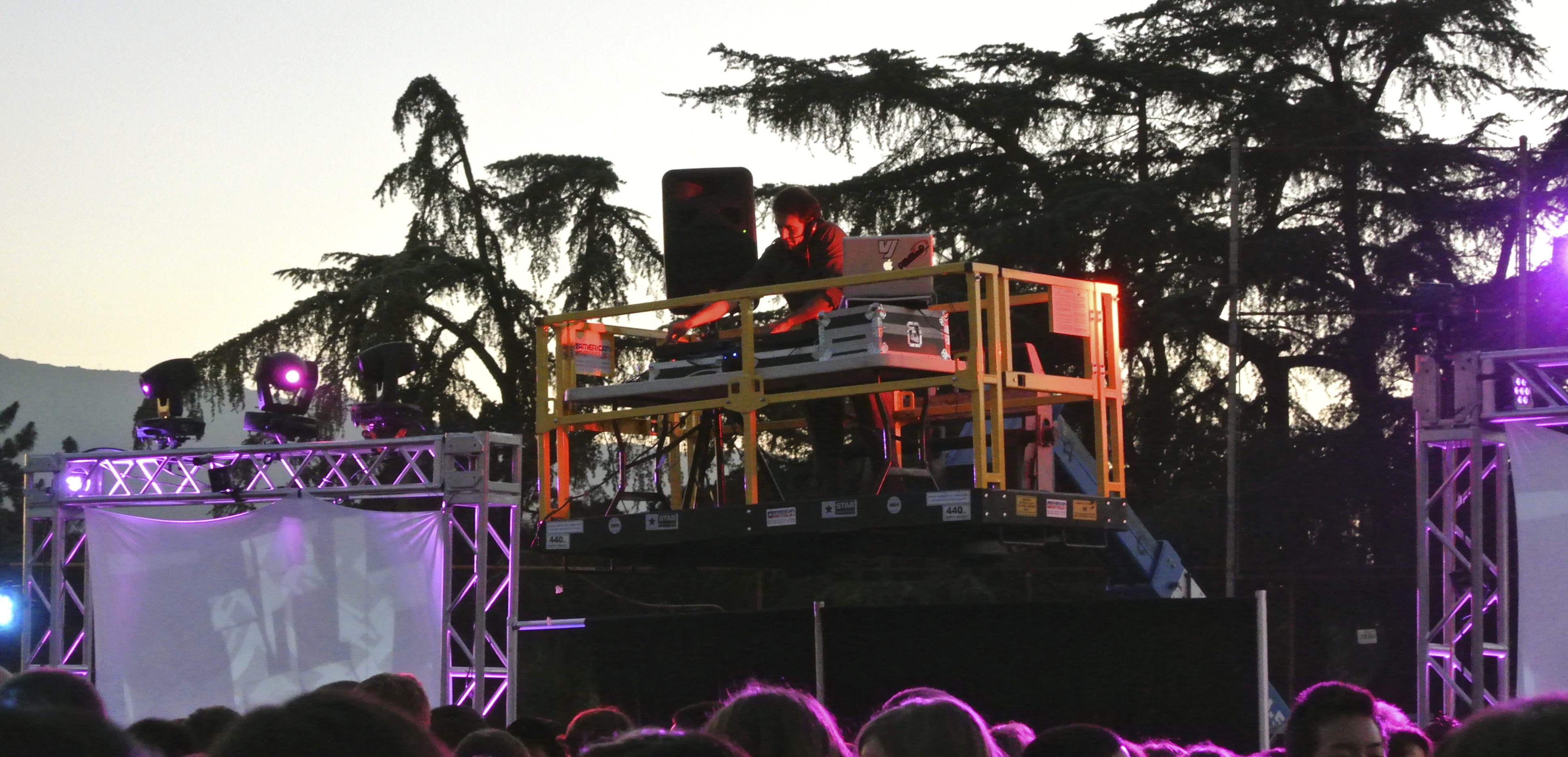 Outdoor Festival DJ