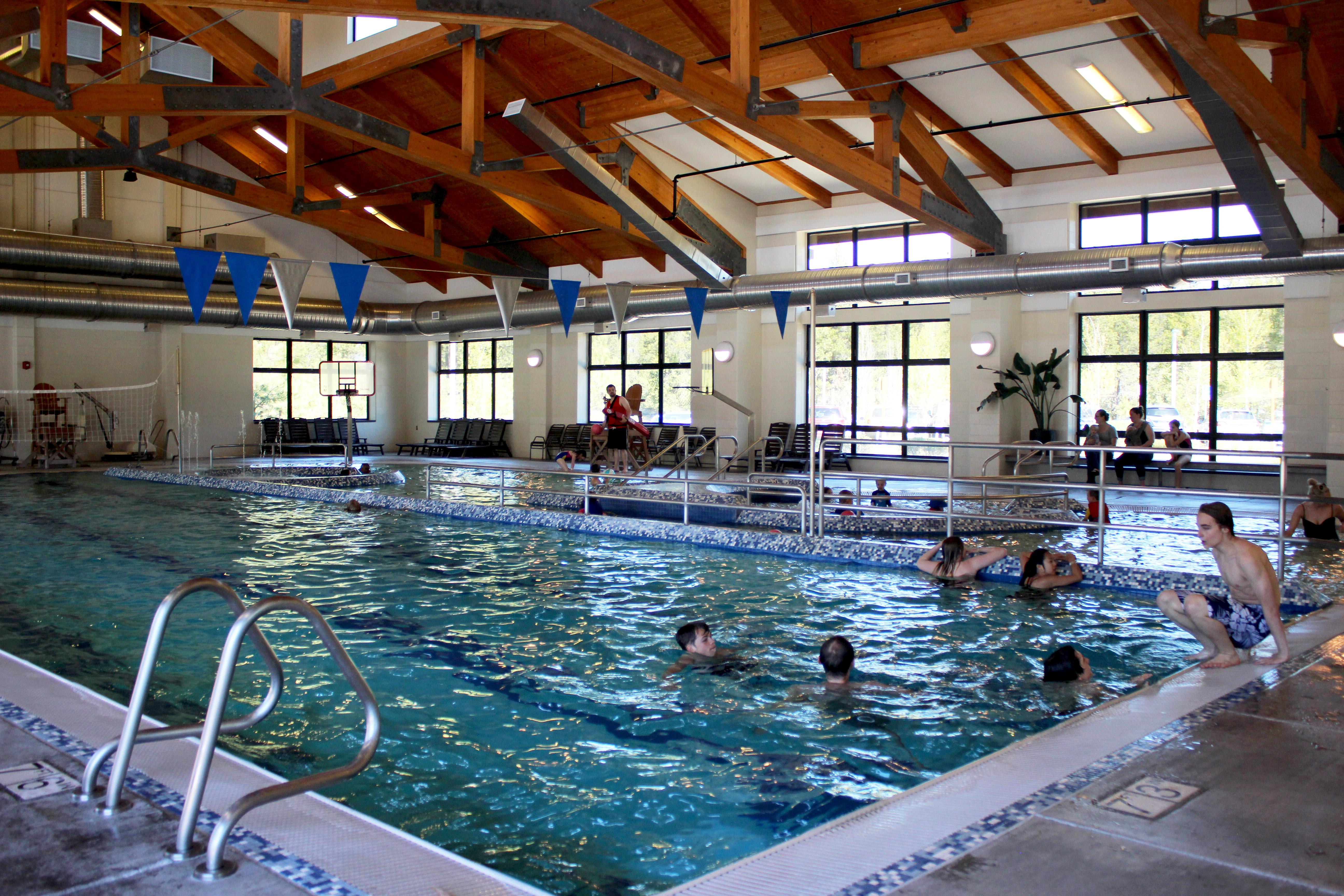 indoor-pool-slides-show5