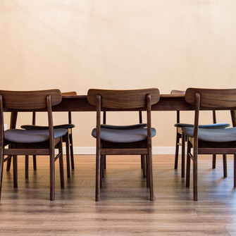 welstad dining table
