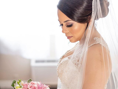 beautiful bride with blush bouquet