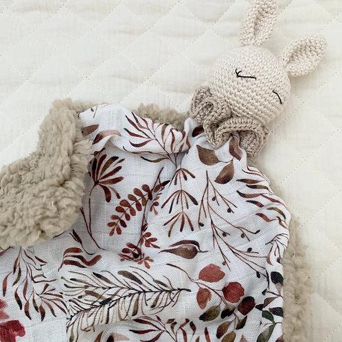 Doudou lapin malin d'automne