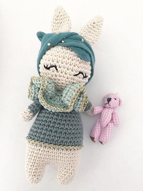 Lapinette et son bandeau bleu paon