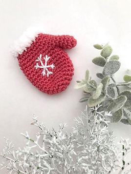 moufle de noël rouge et blanc en crochet.