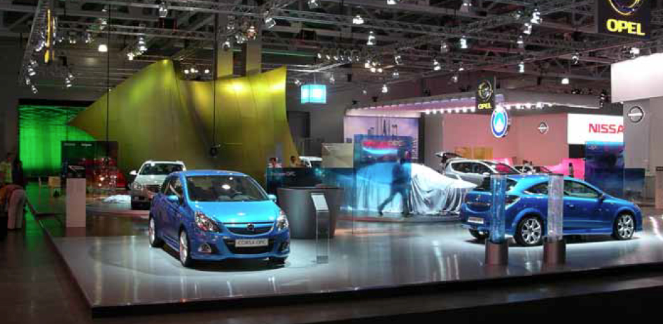 Messestand Opel in Moskau 1.jpg