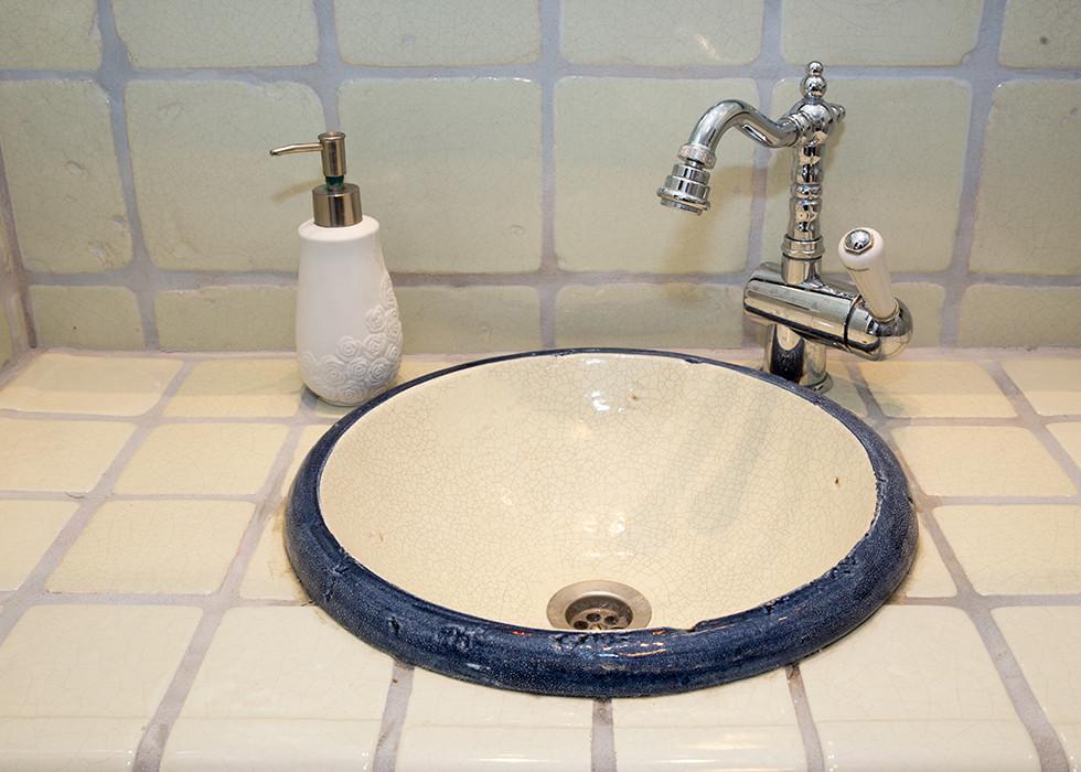 כיור חדר אמבטיה