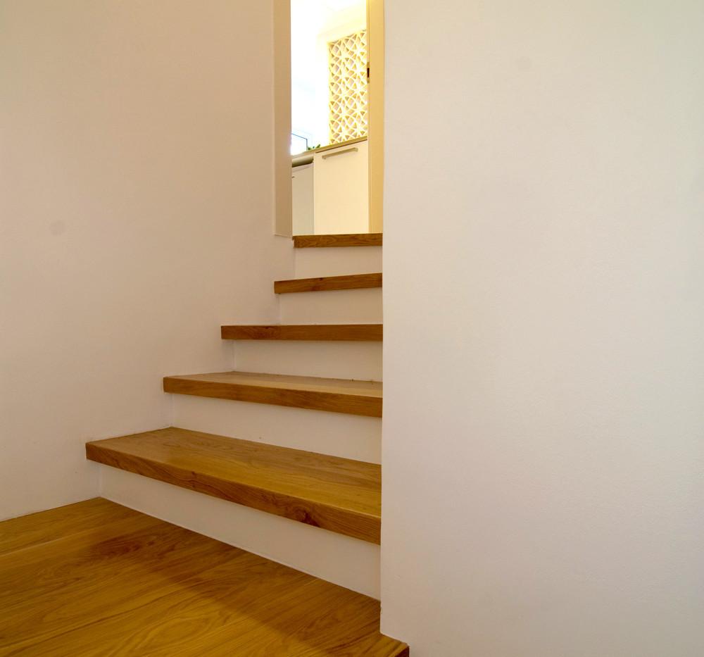 מדרגות לדירת הגג
