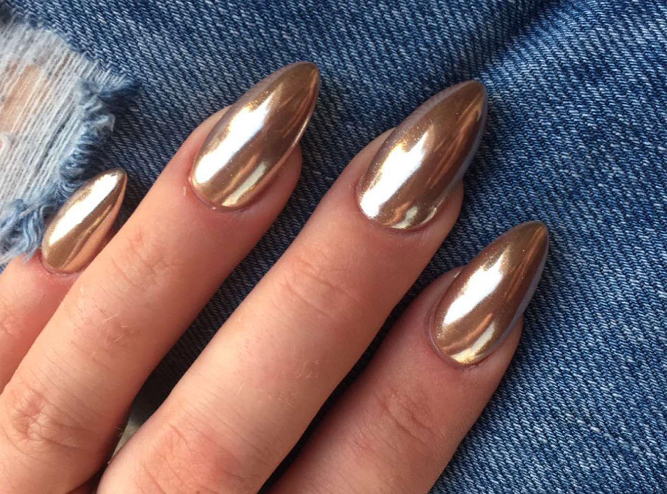 Everything You Need To Know About The Chrome Nails Craze Plus Size Blogger In Dubai Niggi Phulwani