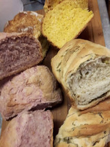 Topli domaći kruh Homemade bread